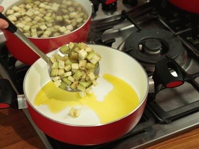 Branzino alle melanzane e olive nere