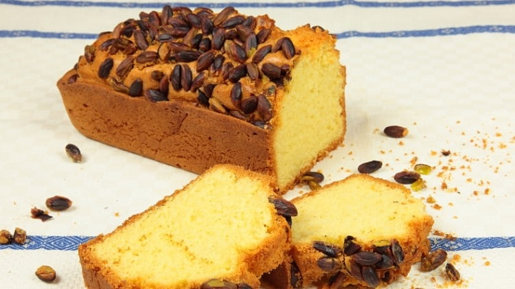 Plum cake ai pistacchi