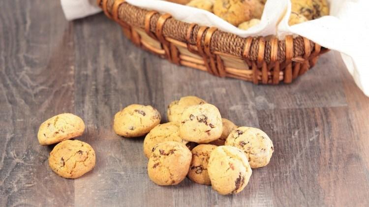 Biscotti all'avena, limone ed uvetta