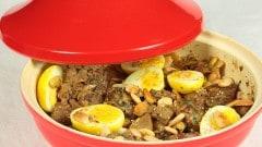 Tajine di agnello con uova sode e mandorle