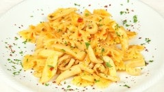 Farfalle con seppie in umido
