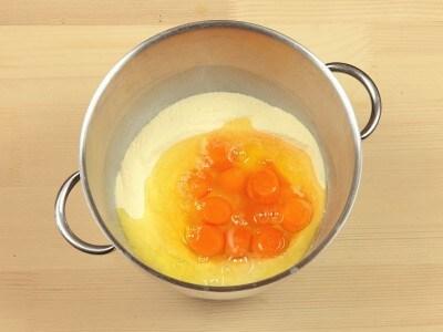 Pasta all'uovo con impastatrice