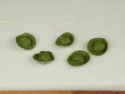 Tortelli verdi di anatra con uvetta e marsala