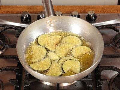 Acciughe con peperoni e melanzane