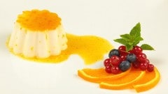 Panna cotta con caramello all'arancia