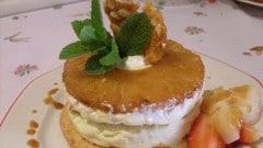 Ananas caramellato al parfait con vaniglia e zenzero