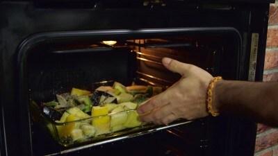 Melanzane, peperoni e patate al forno