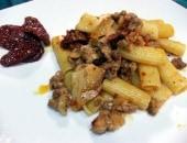 Rigatoni,salsiccia ,ricotta salata al forno e caciocavallo al profumo di verdello