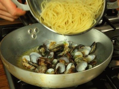 how to cook the perfect spaghetti vongole