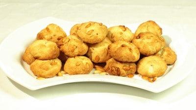 Biscotti ai pinoli
