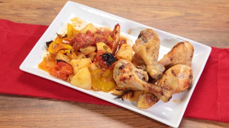Cosce di pollo al forno con patate
