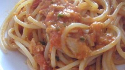 Spaghetti all'arrabbiata con tonno