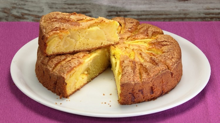 Torta di mele: ricetta classica facile e soffice