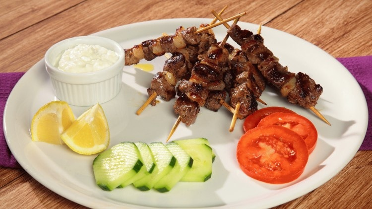 Souvlaky Spiedino di carne come si usa in grecia