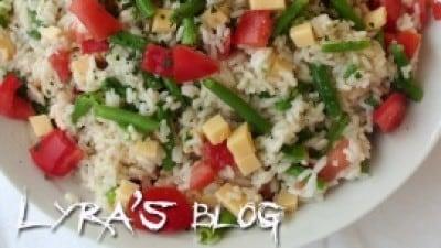 Insalata di riso con fagiolini e fontina