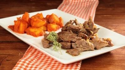 Carne sfibrata fritta