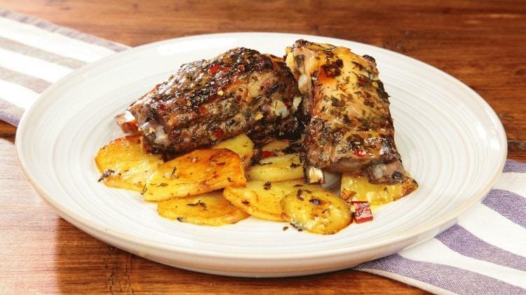 Costine di maiale con patate