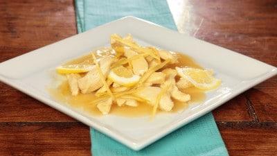Pollo con salsa al limone