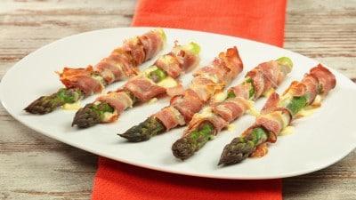 Asparagi gratinati con fontina e pancetta