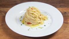Spaghetti aglio e olio cremosi
