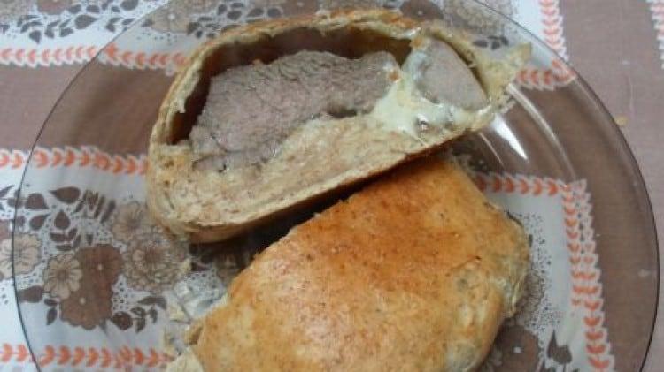 Agnello e medaglioni in crosta di pane