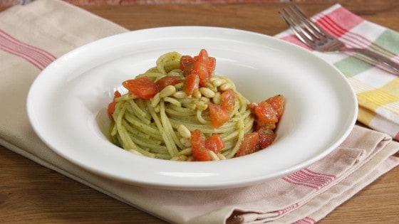 Spaghetti al pesto di lattuga