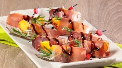 Pesche grigliate con riduzione di aceto balsamico