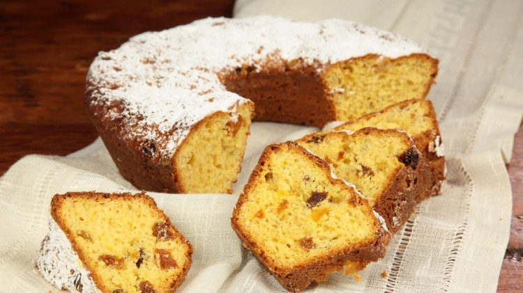Ciambella all'uvetta