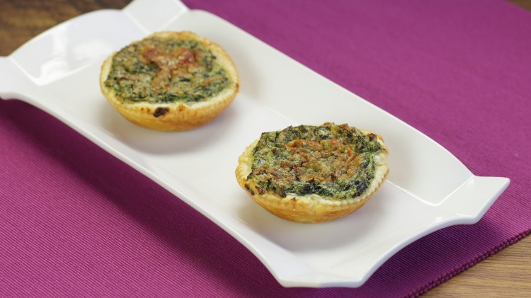 Tortine salate con erbe spontanee