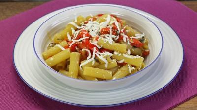 Pasta peperoni e pancetta