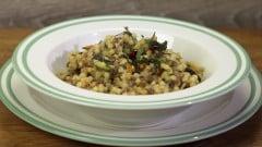 Fregola con lenticchie e zucchine