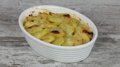 Gratin di patate con stracchino e asparagi