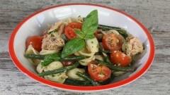 Orecchiette con fagiolini, pomodori e tonno