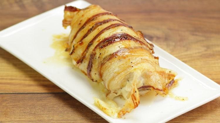 Tasca di pollo, formaggio e bacon
