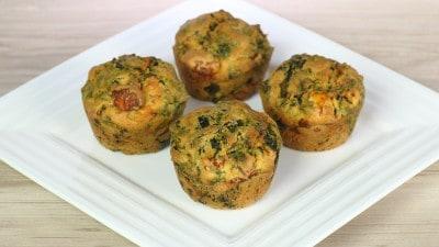 Muffin salati con spinaci e feta