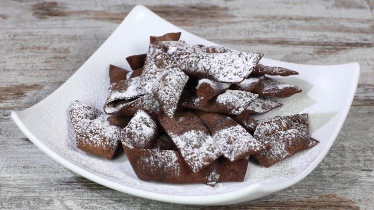 Chiacchiere al cacao e castagne