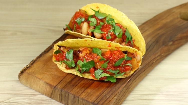 Tacos con ananas e pancetta
