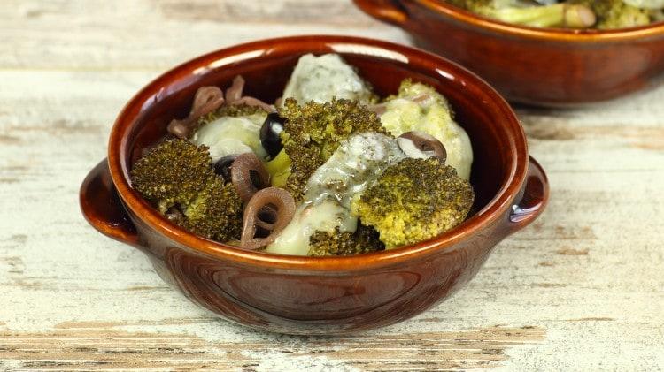 Broccoli affogati al vino con scamorza