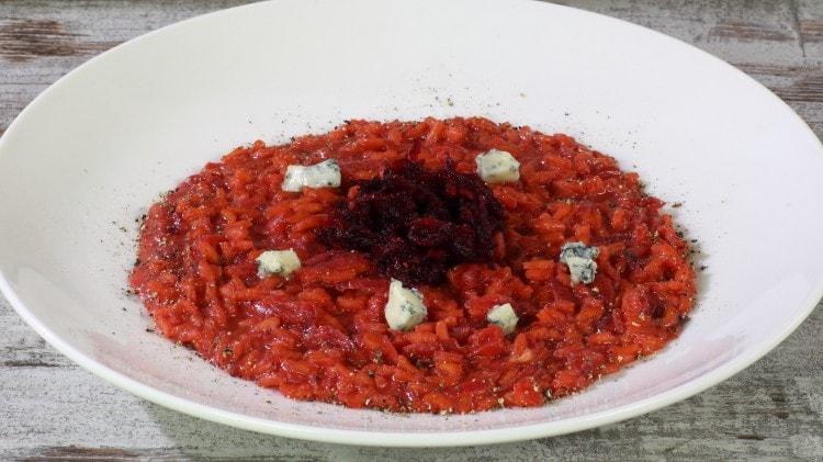 Risotto alle rape rosse e gorgonzola