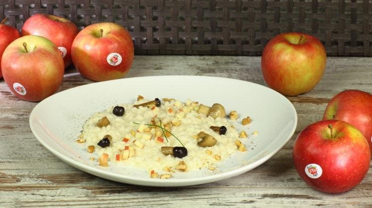 Risotto con funghi, mele e noci
