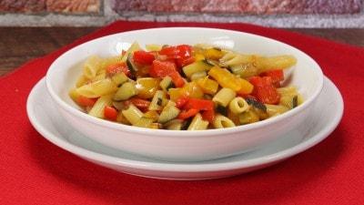 Pasta peperoni e zucchine