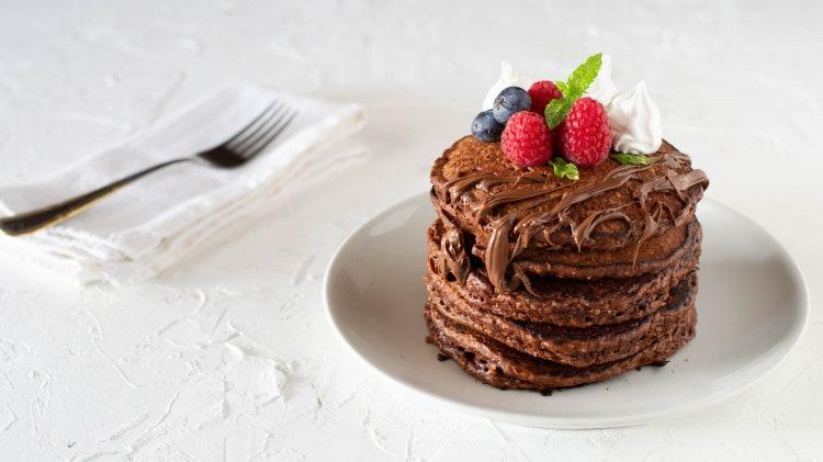 Pancake con fiocchi d'avena al cacao