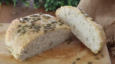 Pane fatto in casa ai semi di zucca
