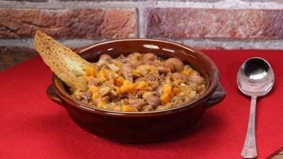Zuppa di zucca e fagioli borlotti