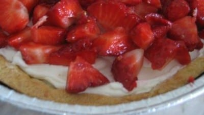 Crostata con fragole e mascarpone semplice e golosa