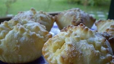 Fagottini di sfoglia con crema di ricotta e riso