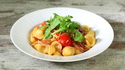 Orecchiette con speck, rucola e parmigiano