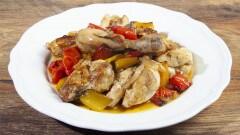 Pollo coi peperoni al forno