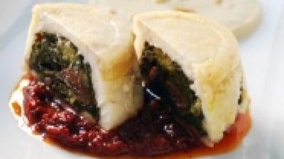 Tortino di persico e cime di rapa su crema di ceci