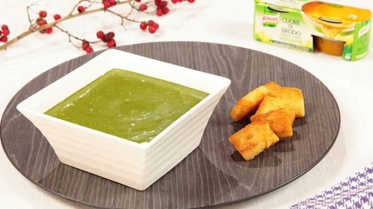 Crema di spinaci con crostini
